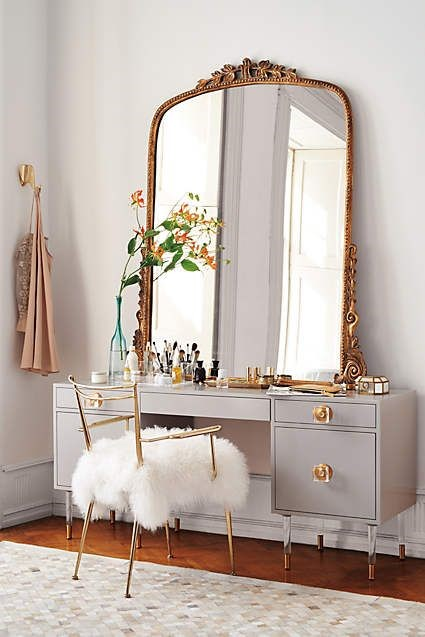 Grey Dressing Table With Free Standing Mirror