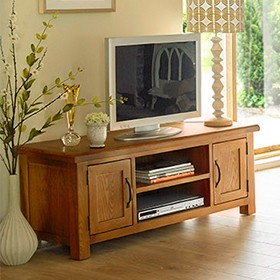 Emsworth Oak Widescreen TV Stand